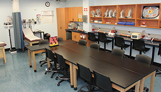 The College of Westchester Digital Media Lab classroom photo